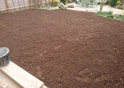 Customer own laying - levelling topsoil